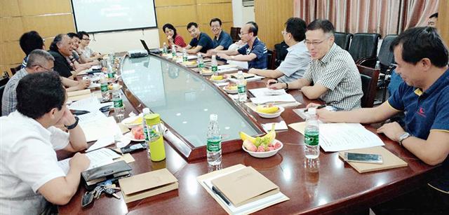 刘钧贻提出畜牧饲料业已进入食品带动时代
